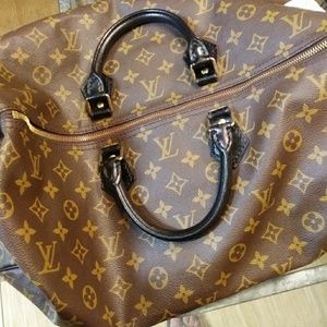 Accepting Offers LV'S  Speedy 40~NEAR MINT COND
